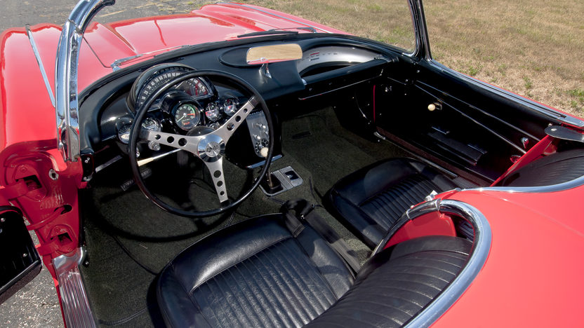 1962 Chevrolet Corvette Convertible 327/360 HP, 4-Speed presented as lot S56 at Kansas City, MO 2012 - image3