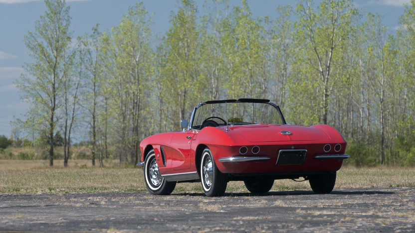 1962 Chevrolet Corvette Convertible 327/360 HP, 4-Speed presented as lot S56 at Kansas City, MO 2012 - image9