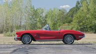 1962 Chevrolet Corvette Convertible 327/360 HP, 4-Speed presented as lot S56 at Kansas City, MO 2012 - thumbail image10