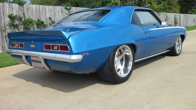 1969 Chevrolet Camaro Pro Touring 406/900 HP, 6-Speed presented as lot S74 at Kansas City, MO 2012 - image2