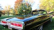1966 Ford Thunderbird Convertible 428/345 HP, Automatic presented as lot S102 at Kansas City, MO 2012 - thumbail image3