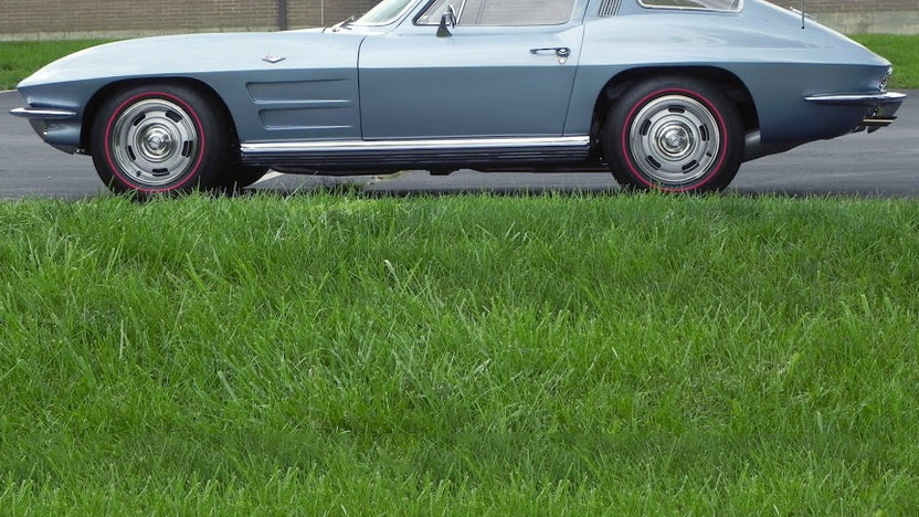 1964 Chevrolet Corvette Coupe presented as lot S114 at Kansas City, MO 2012 - image12