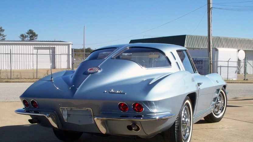 1963 Chevrolet Corvette Split Window Coupe 327/340 HP, 4-Speed presented as lot S122 at Kansas City, MO 2012 - image8