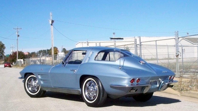 1963 Chevrolet Corvette Split Window Coupe 327/340 HP, 4-Speed presented as lot S122 at Kansas City, MO 2012 - image9