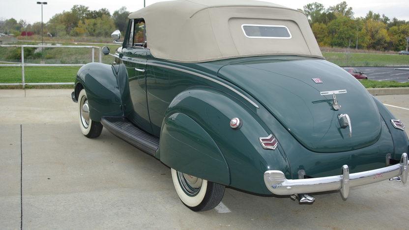 1940 Ford  Convertible presented as lot S133 at Kansas City, MO 2012 - image2