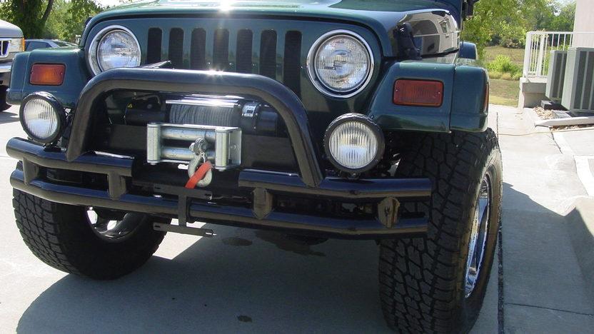 1999 Jeep Wrangler Sahara Open presented as lot S187 at Kansas City, MO 2012 - image5