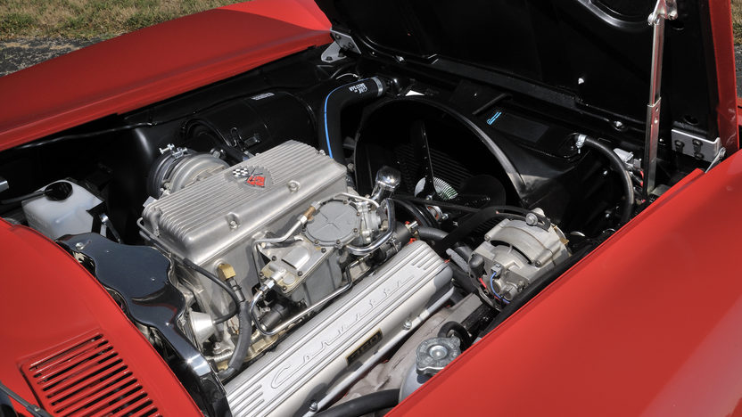 1963 Chevrolet Corvette Split Window Coupe 327/360 HP, 4-Speed presented as lot S113.1 at Kansas City, MO 2012 - image7