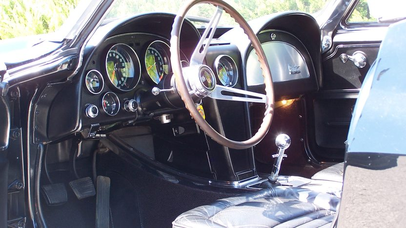 1967 Chevrolet Corvette Convertible 427/435 HP, 4-Speed, J56 Brakes presented as lot S61 at Kansas City, MO 2012 - image3