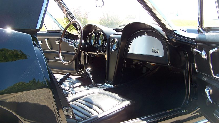 1967 Chevrolet Corvette Convertible 427/435 HP, 4-Speed, J56 Brakes presented as lot S61 at Kansas City, MO 2012 - image4