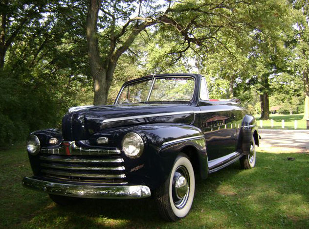 1947 Ford Super 8 Deluxe Convertible 239/100 HP, 3-Speed presented as lot S125.1 at Kansas City, MO 2012 - image7