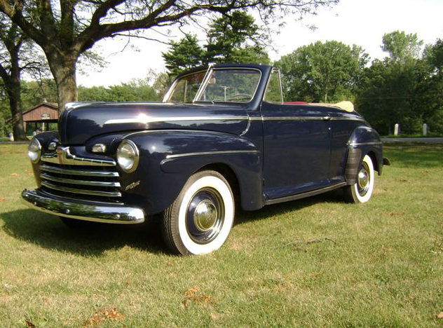1947 Ford Super 8 Deluxe Convertible 239/100 HP, 3-Speed presented as lot S125.1 at Kansas City, MO 2012 - image8