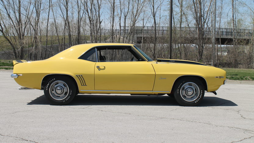 1969 Chevrolet Camaro Z28 302/290 HP, 4-Speed presented as lot F219 at Kansas City, MO 2013 - image2