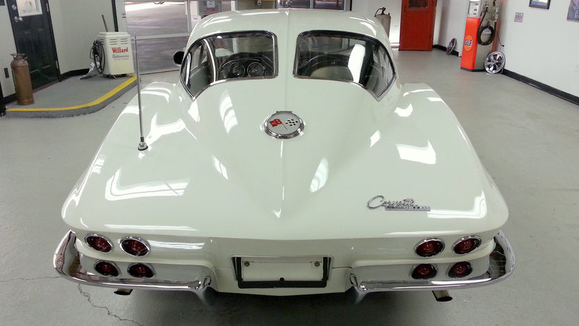 1963 Chevrolet Corvette Split Window Coupe 327/340 HP, 4-Speed presented as lot F253 at Kansas City, MO 2013 - image2