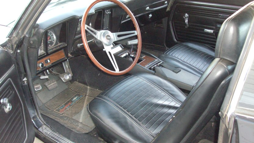 1969 Chevrolet Camaro Z28 350 CI, 4-Speed presented as lot S106 at Kansas City, MO 2013 - image4