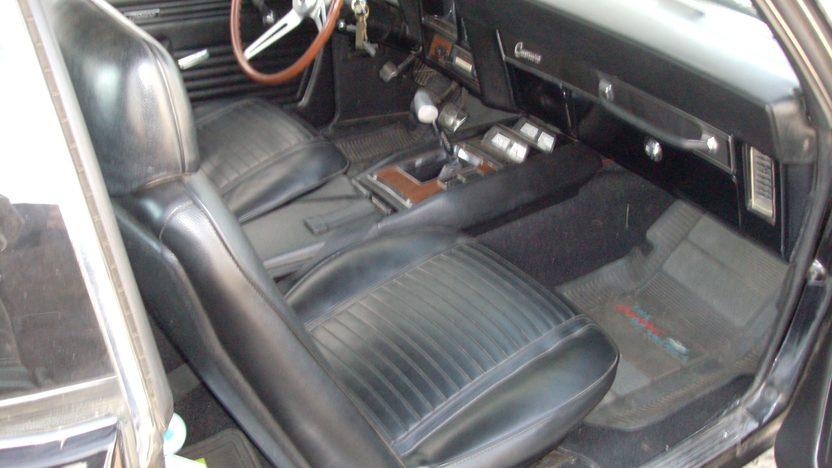 1969 Chevrolet Camaro Z28 350 CI, 4-Speed presented as lot S106 at Kansas City, MO 2013 - image5