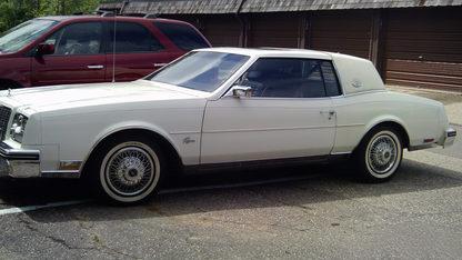 1983 Buick Riviera 2-Door