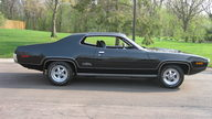 1971 Plymouth GTX 440/370 HP, 4-Speed presented as lot S102 at St. Paul, MN 2011 - thumbail image4