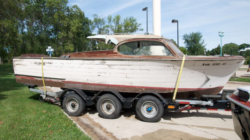 1952 Chris-Craft 27' Semi Enclosed Cruiser Ace High presented as lot S85 at Winsted, MN 2010 - image3