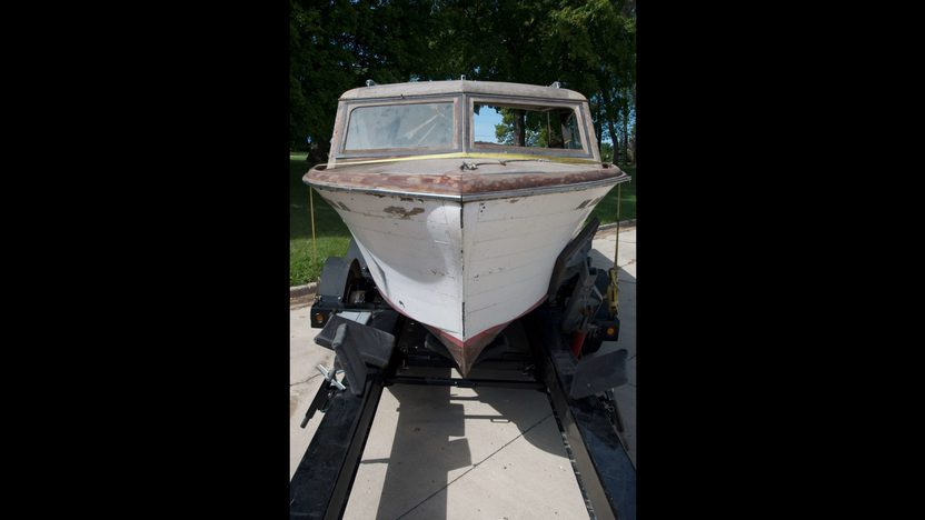 1952 Chris-Craft 27' Semi Enclosed Cruiser Ace High presented as lot S85 at Winsted, MN 2010 - image4