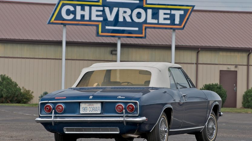 1969 Chevrolet Corvair Monza Convertible presented as lot S34 at Canal Winchester, OH 2010 - image2