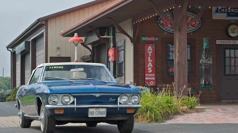 1969 Chevrolet Corvair Monza Convertible presented as lot S34 at Canal Winchester, OH 2010 - image8