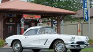 1962 Chevrolet Corvette Convertible presented as lot S66 at Canal Winchester, OH 2010 - thumbail image2
