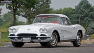 1962 Chevrolet Corvette Convertible presented as lot S66 at Canal Winchester, OH 2010 - thumbail image4