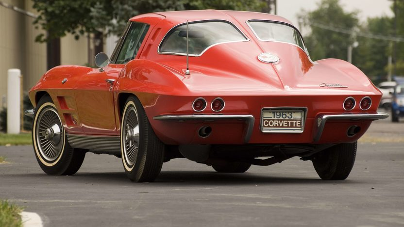 1963 Chevrolet Corvette Coupe A/C, 2-Bar KO Wheels presented as lot S67 at Canal Winchester, OH 2010 - image3