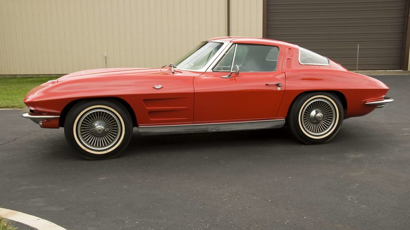 1963 Chevrolet Corvette Coupe A/C, 2-Bar KO Wheels presented as lot S67 at Canal Winchester, OH 2010 - image4