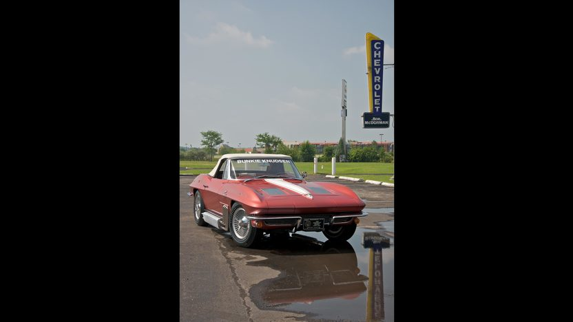 1963 Chevrolet Corvette Convertible Bunkie Knudsen's presented as lot S70 at Canal Winchester, OH 2010 - image8
