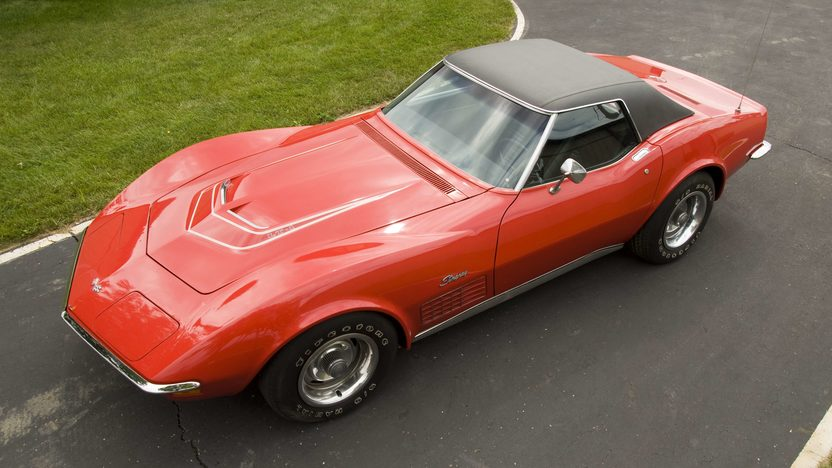 1972 Chevrolet Corvette LT1 Convertible presented as lot S85 at Canal Winchester, OH 2010 - image2