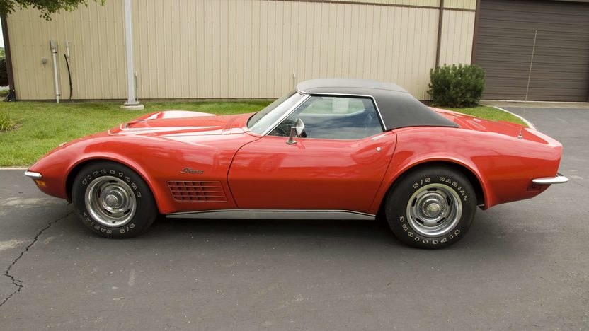 1972 Chevrolet Corvette LT1 Convertible presented as lot S85 at Canal Winchester, OH 2010 - image4