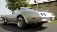 1974 Chevrolet Corvette Coupe presented as lot S87 at Canal Winchester, OH 2010 - thumbail image4