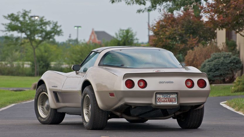 1982 Chevrolet Corvette Coupe Collector Edition presented as lot S95 at Canal Winchester, OH 2010 - image3