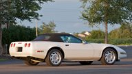 1992 Chevrolet Corvette Convertible 999,999th Corvette Built presented as lot S106 at Canal Winchester, OH 2010 - thumbail image2