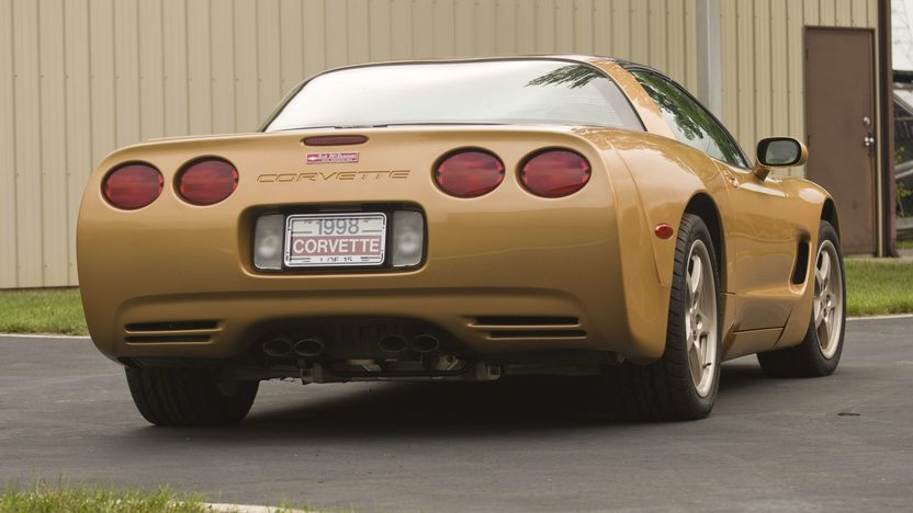 1998 Chevrolet Corvette Coupe 1 of 15 Special Color presented as lot S120 at Canal Winchester, OH 2010 - image2