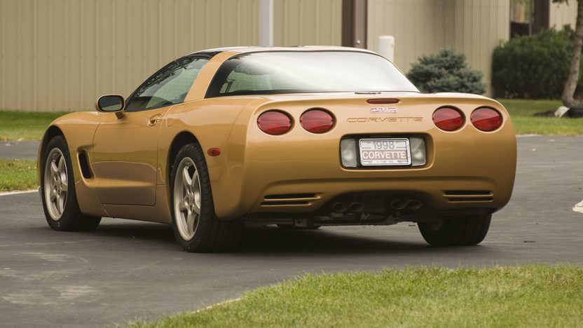 1998 Chevrolet Corvette Coupe 1 of 15 Special Color presented as lot S120 at Canal Winchester, OH 2010 - image3