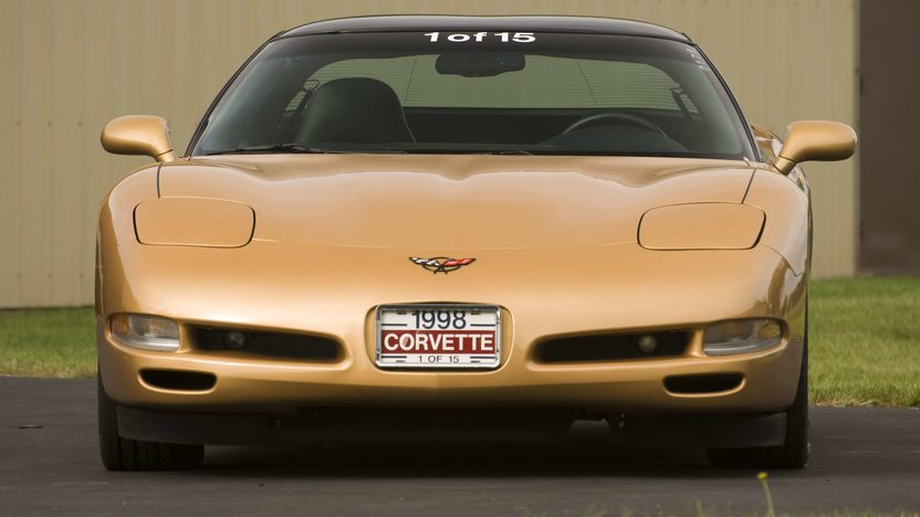 1998 Chevrolet Corvette Coupe 1 of 15 Special Color presented as lot S120 at Canal Winchester, OH 2010 - image4