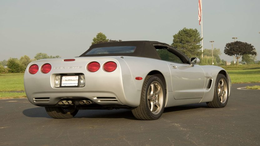 1998 Chevrolet Corvette Convertible Serial #3, 1G1YY32G6W5100003  presented as lot S124 at Canal Winchester, OH 2010 - image4