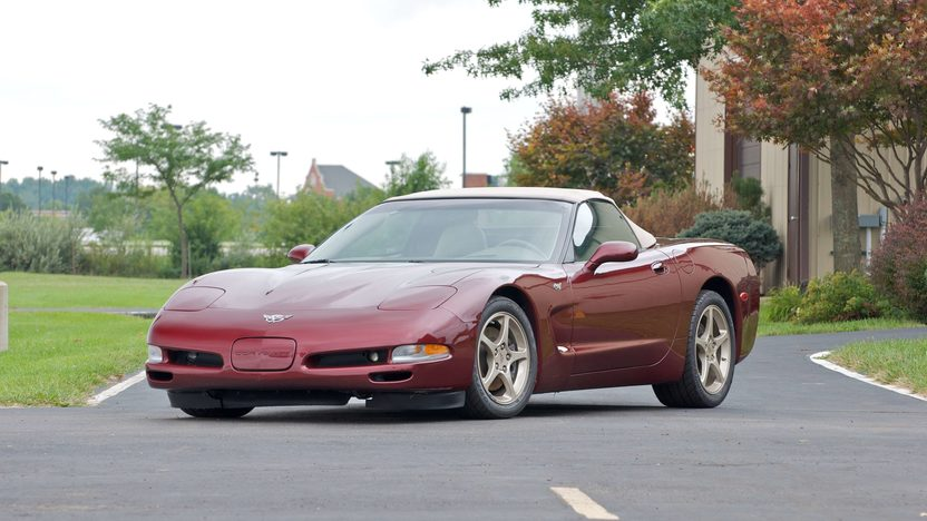 2003 Chevrolet Corvette 50th Anniversary 4-Speed Automatic presented as lot S132 at Canal Winchester, OH 2010 - image2