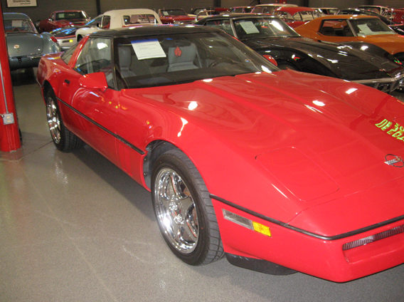 1989 Chevrolet Corvette 5.7L, Automatic presented as lot W89 at Indianapolis, IN 2009 - image2