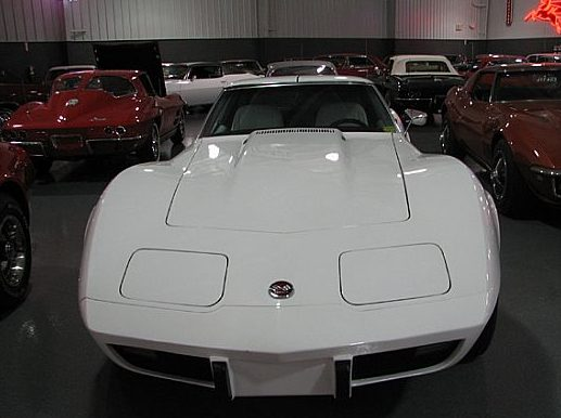 1976 Chevrolet Corvette L82 Coupe 350 CI, Automatic presented as lot W113 at Indianapolis, IN 2009 - image3