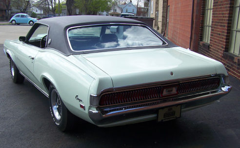 1969 Mercury Cougar XR7 2-door Hardtop 428 CI Ram Air R Code, Automatic presented as lot T42 at Indianapolis, IN 2009 - image2