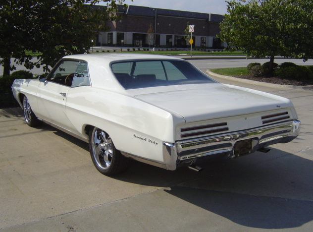 1967 Pontiac Grand Prix 2-door Hardtop 428/360 HP, 4-Speed Manual presented as lot F9 at Indianapolis, IN 2009 - image2