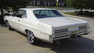1967 Pontiac Grand Prix 2-door Hardtop 428/360 HP, 4-Speed Manual presented as lot F9 at Indianapolis, IN 2009 - thumbail image2