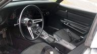 1969 Chevrolet Corvette Coupe 350/300 HP, 4-Speed Manual presented as lot F141 at Indianapolis, IN 2009 - thumbail image4