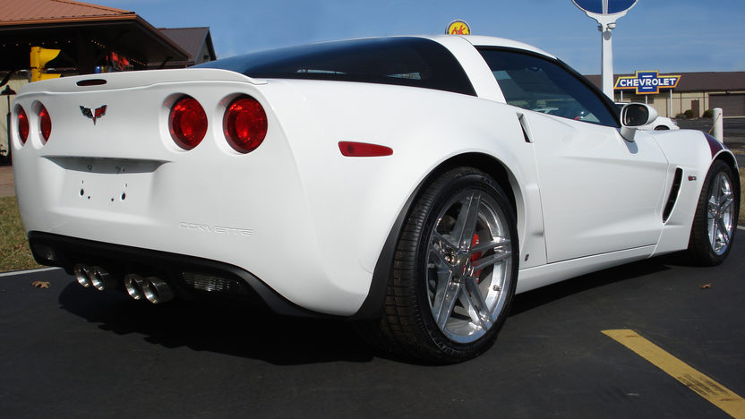 2007 Chevrolet Corvette Z06 Coupe Ron Fellows Special Edition presented as lot F197 at Indianapolis, IN 2009 - image3