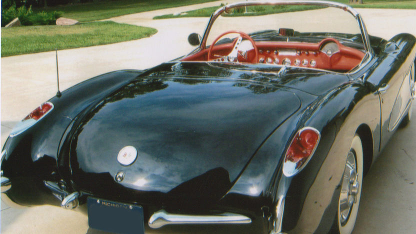 1956 Chevrolet Corvette Convertible 265/225 HP, Automatic presented as lot F235 at Indianapolis, IN 2009 - image2