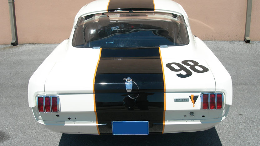 1965 Shelby Mustang GT350 R The Essex Wire Car presented as lot F241 at Indianapolis, IN 2009 - image4