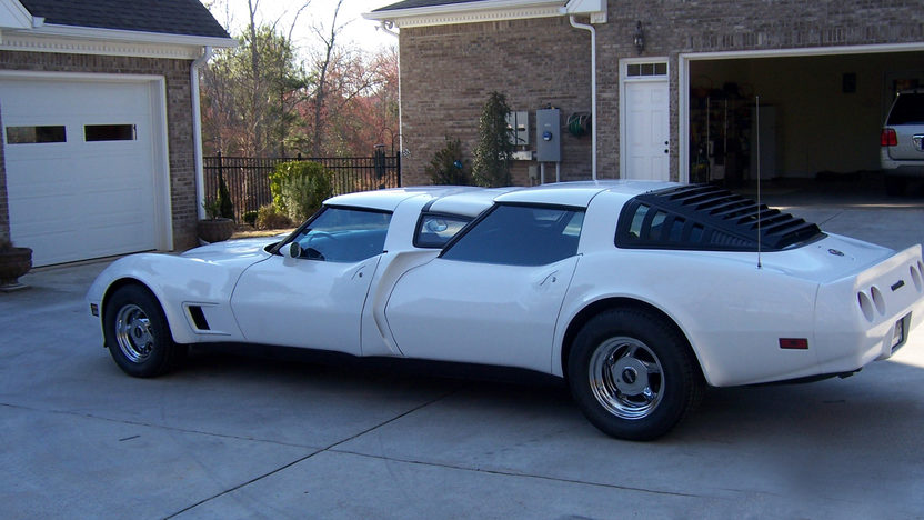 1975 Chevrolet Corvette 4-door Custom 350 CI, Automatic presented as lot S9 at Indianapolis, IN 2009 - image5